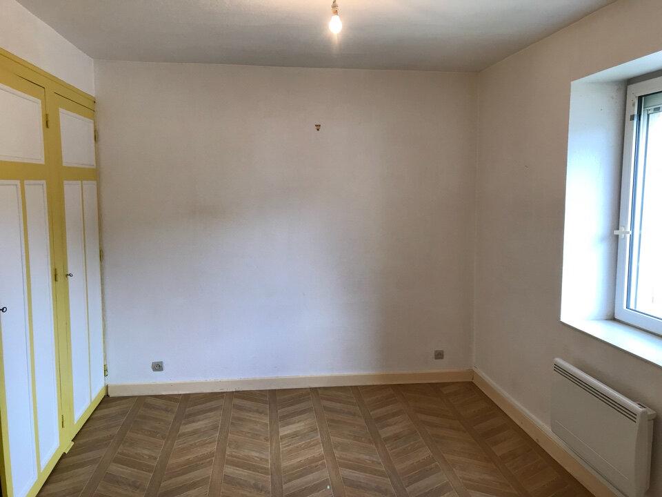 Appartement à louer 3 72m2 à Hauteville-Lompnes vignette-5