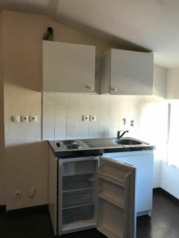 Appartement à louer 1 30m2 à Hauteville-Lompnes vignette-1