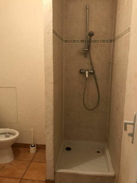 Appartement à louer 1 30m2 à Hauteville-Lompnes vignette-2