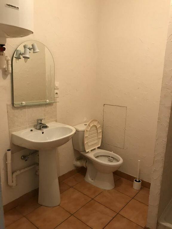 Appartement à louer 1 30m2 à Hauteville-Lompnes vignette-3