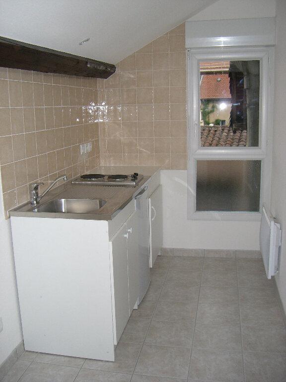 Appartement à louer 1 36m2 à Bourg-en-Bresse vignette-1