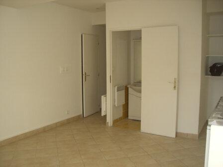 Appartement à louer 2 46m2 à Bourg-en-Bresse vignette-3