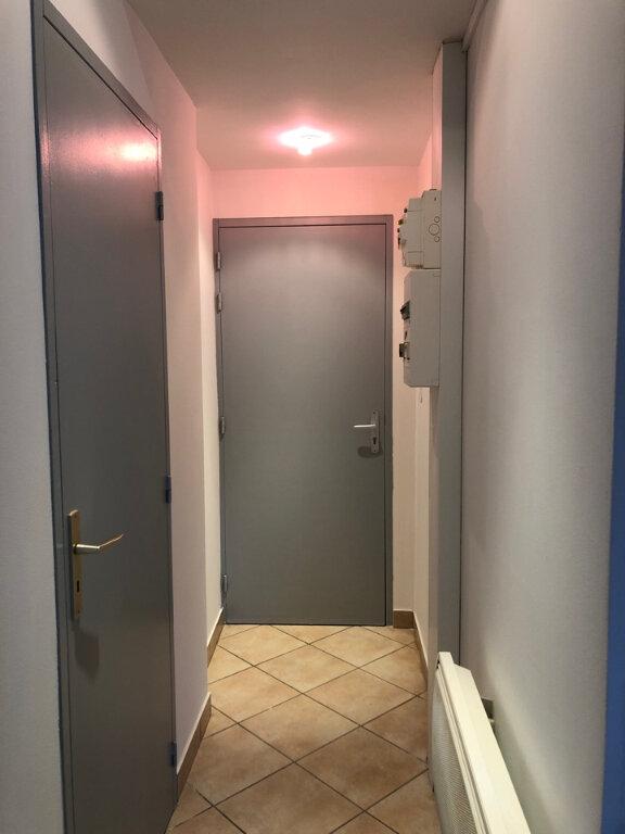 Appartement à louer 2 46m2 à Bourg-en-Bresse vignette-5