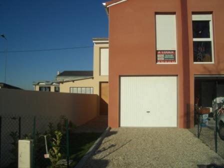 Maison à louer 4 76m2 à Montrevel-en-Bresse vignette-1
