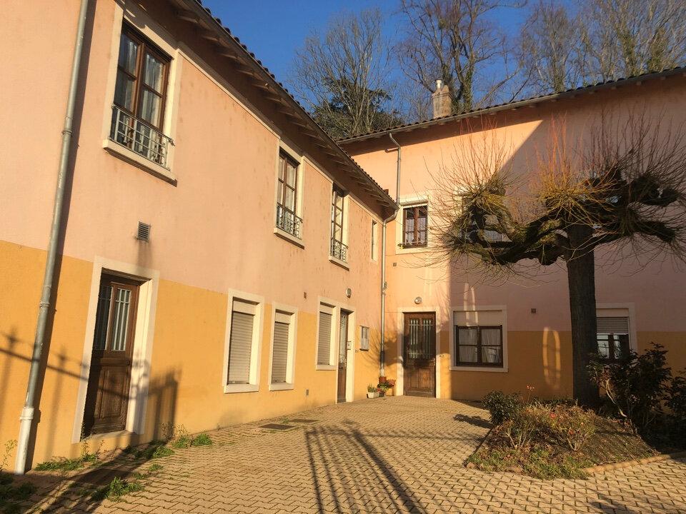 Appartement à louer 1 17m2 à Saint-Paul-de-Varax vignette-5