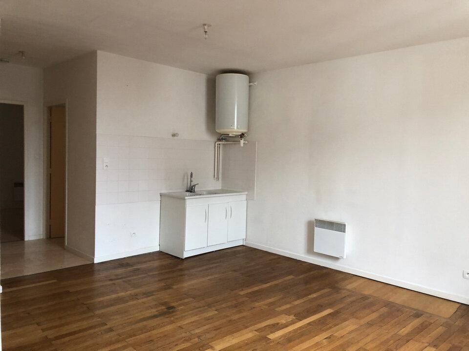 Appartement à louer 3 51m2 à Vonnas vignette-1