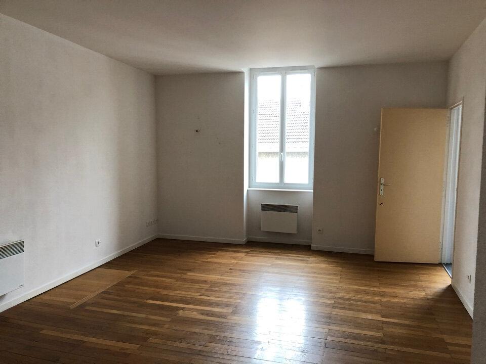 Appartement à louer 3 51m2 à Vonnas vignette-2
