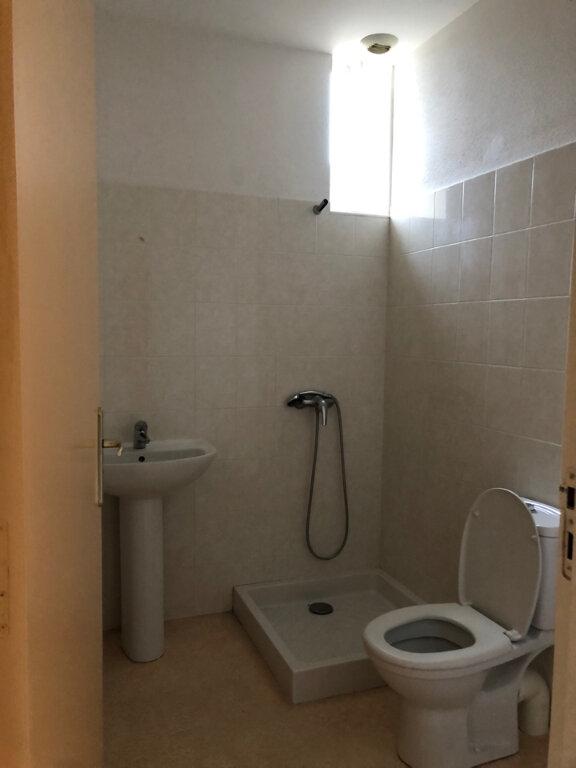 Appartement à louer 3 51m2 à Vonnas vignette-3