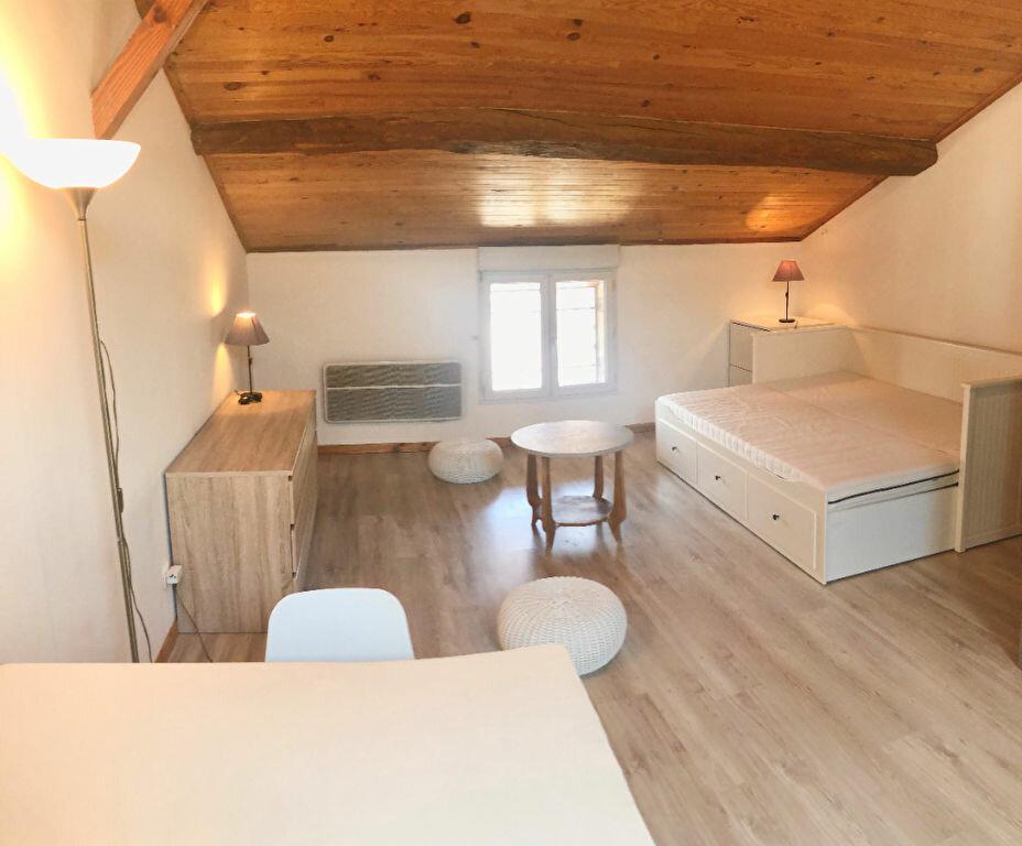 Appartement à louer 1 35m2 à Montrevel-en-Bresse vignette-2