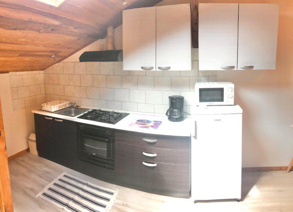 Appartement à louer 1 35m2 à Montrevel-en-Bresse vignette-4