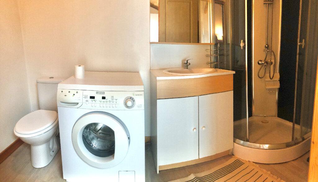 Appartement à louer 1 35m2 à Montrevel-en-Bresse vignette-5