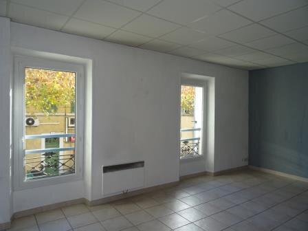 Appartement à louer 3 53.27m2 à Roquevaire vignette-1