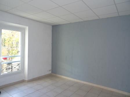 Appartement à louer 3 53.27m2 à Roquevaire vignette-2