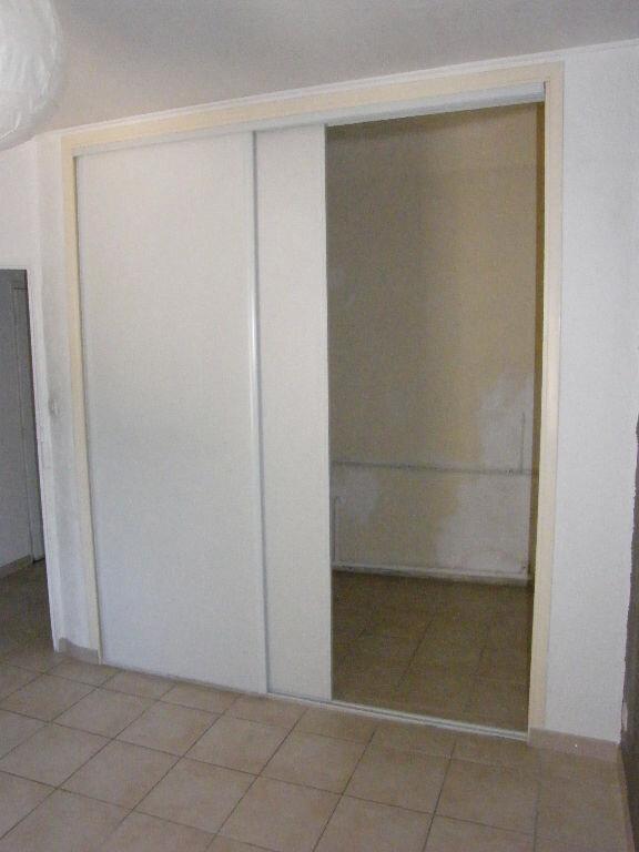 Appartement à louer 3 53.27m2 à Roquevaire vignette-5
