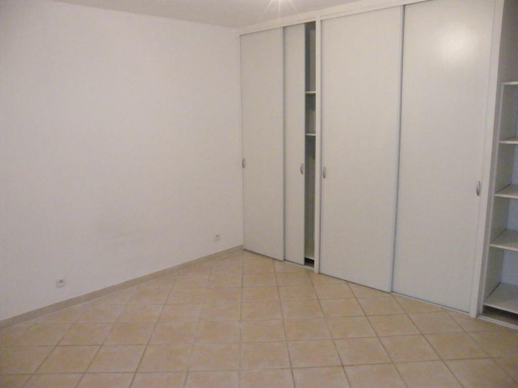 Maison à louer 4 83.21m2 à Roquevaire vignette-6