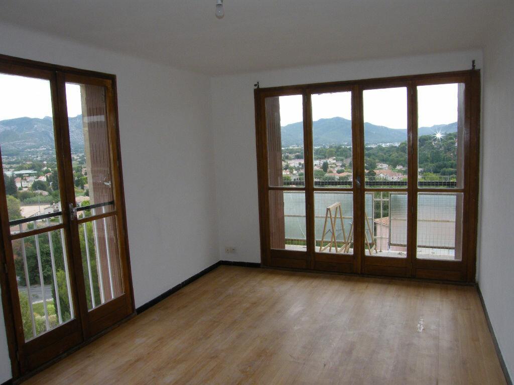 Appartement à louer 3 62.02m2 à Aubagne vignette-4