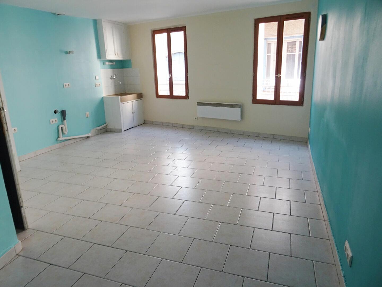 Appartement à louer 1 26.76m2 à Auriol vignette-1