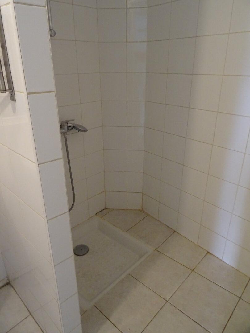 Appartement à louer 1 26.76m2 à Auriol vignette-4