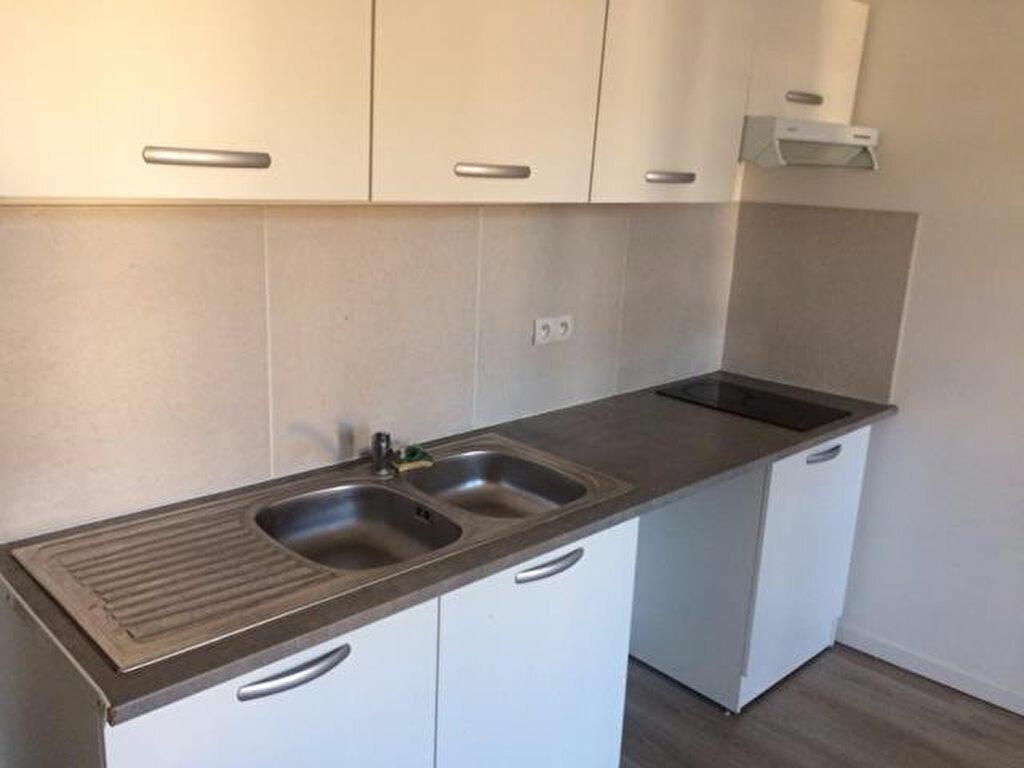 Appartement à louer 3 45.51m2 à Roquevaire vignette-3