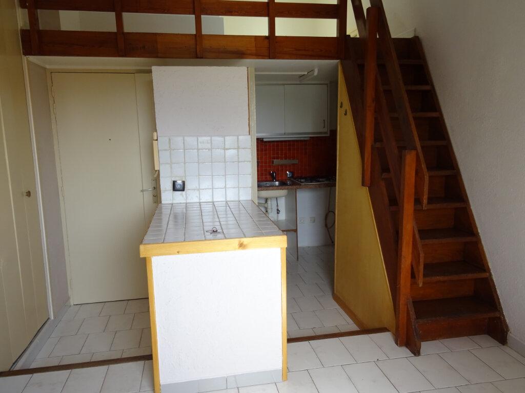 Appartement à louer 1 24.24m2 à Cassis vignette-3