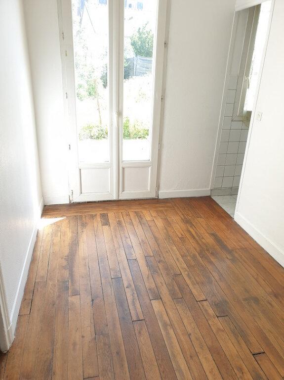 Appartement à louer 2 25m2 à Le Bourget vignette-1