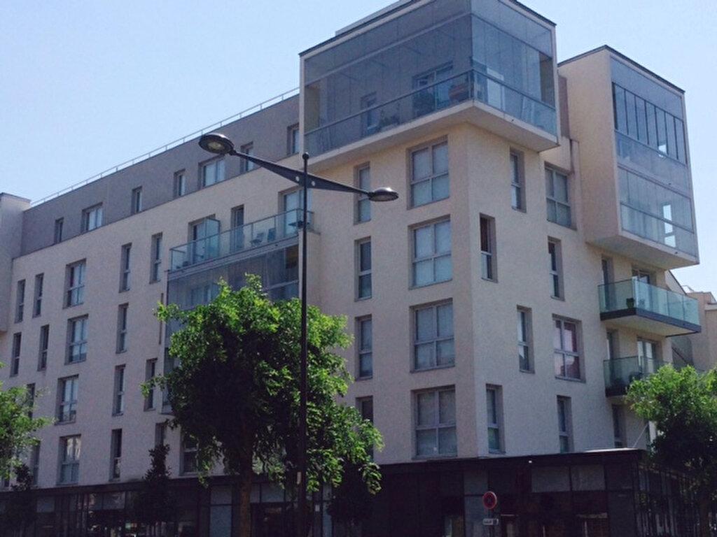 Appartement à louer 2 49m2 à Le Bourget vignette-1
