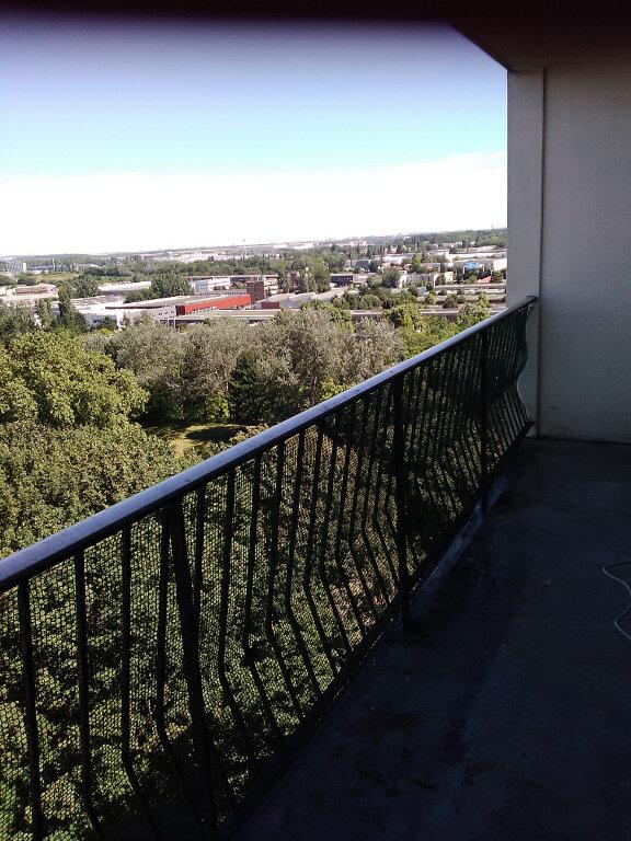 Appartement à louer 4 78m2 à Le Blanc-Mesnil vignette-3