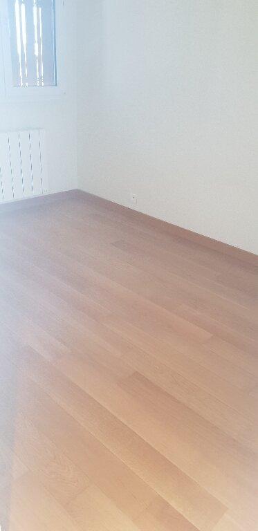 Appartement à louer 3 53m2 à Épinay-sur-Seine vignette-3