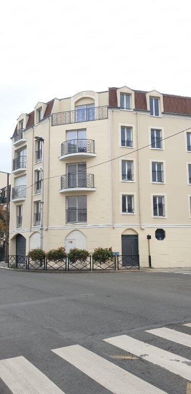 Appartement à louer 1 26m2 à Le Blanc-Mesnil vignette-1