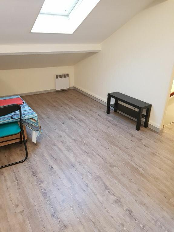 Appartement à louer 2 28m2 à Drancy vignette-1