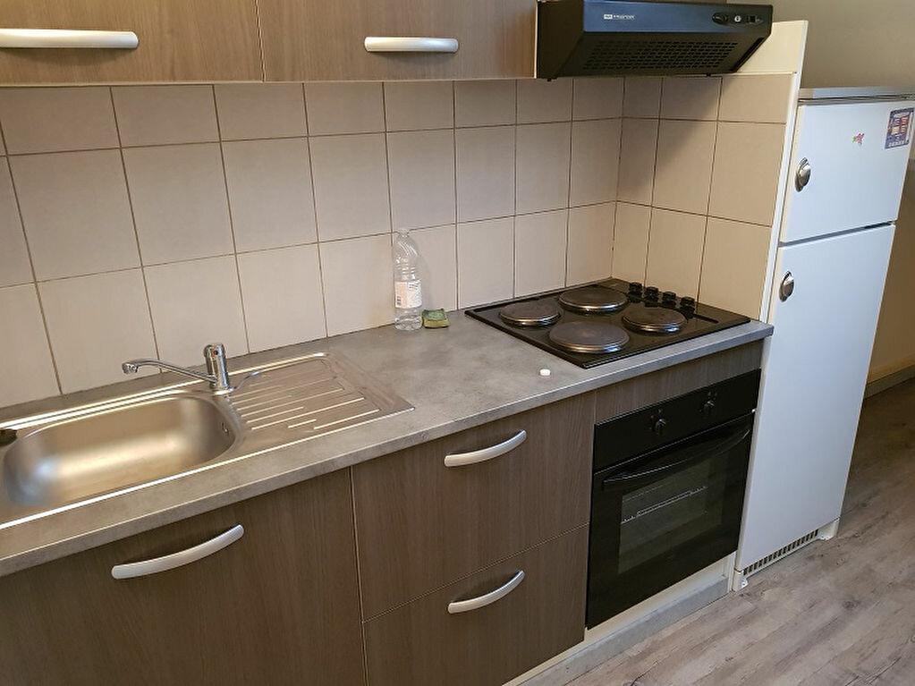 Appartement à louer 2 28m2 à Drancy vignette-2