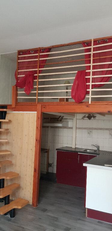 Appartement à louer 1 28m2 à Le Blanc-Mesnil vignette-3
