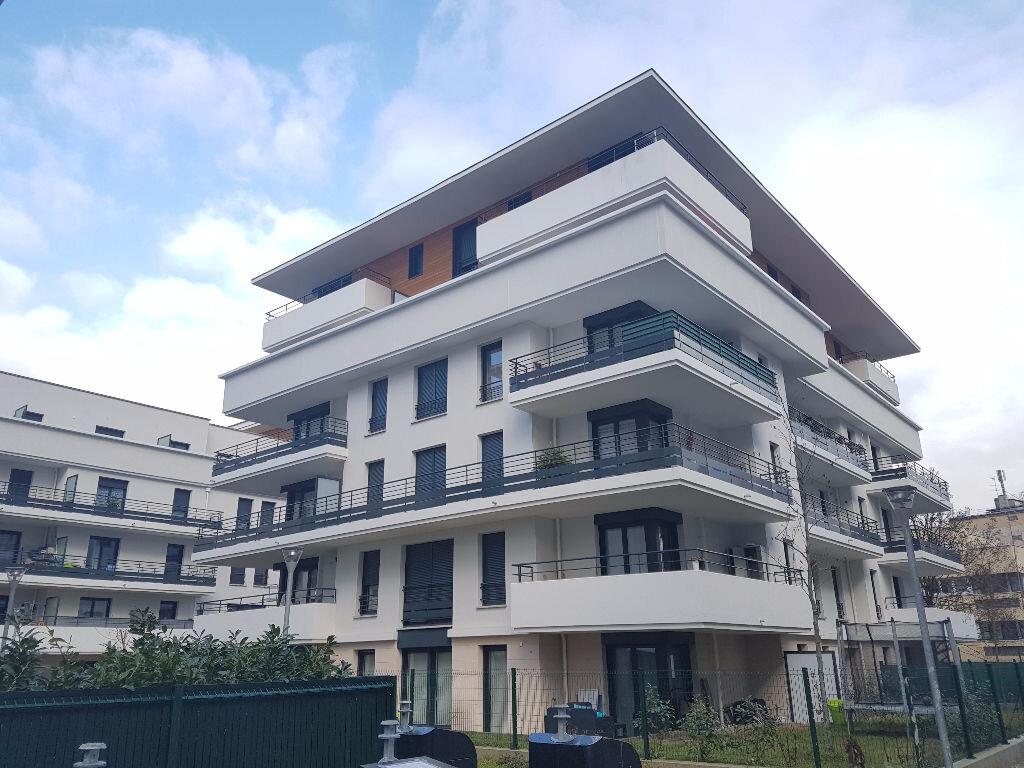 Appartement à louer 2 45m2 à Drancy vignette-1