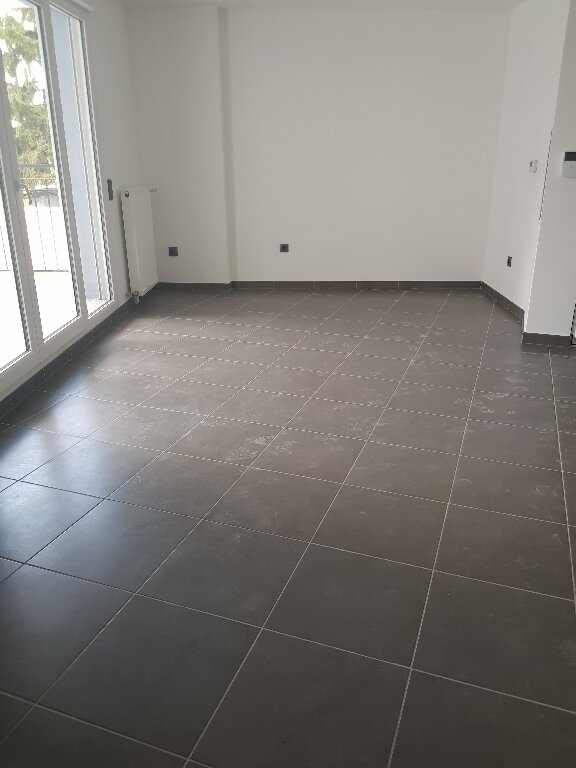 Appartement à louer 2 40m2 à Le Blanc-Mesnil vignette-3