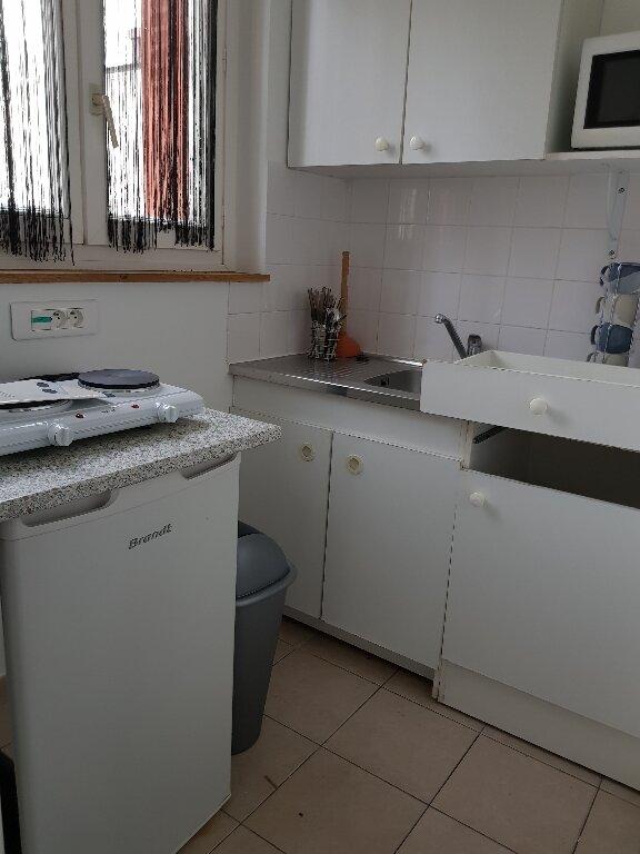 Appartement à louer 1 17m2 à La Courneuve vignette-3