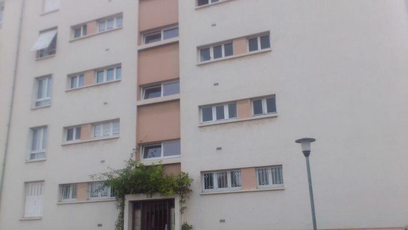 Appartement à louer 5 80m2 à Drancy vignette-2