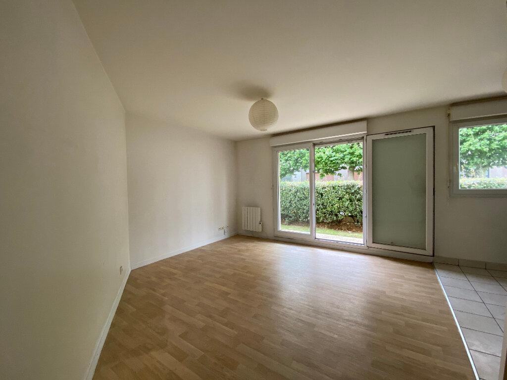 Appartement à vendre 2 40m2 à Rosny-sous-Bois vignette-2