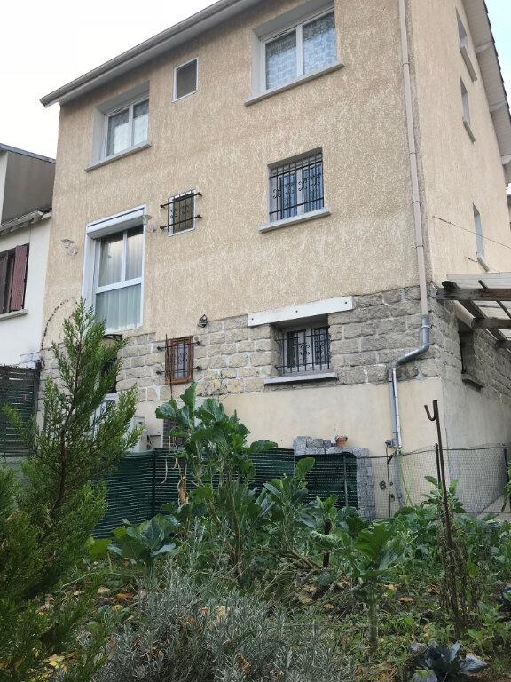 Maison à vendre 8 140m2 à Noisy-le-Sec vignette-1