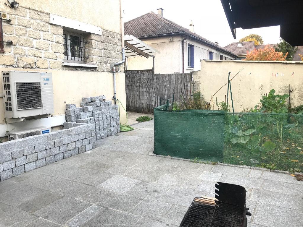 Maison à vendre 8 140m2 à Noisy-le-Sec vignette-13