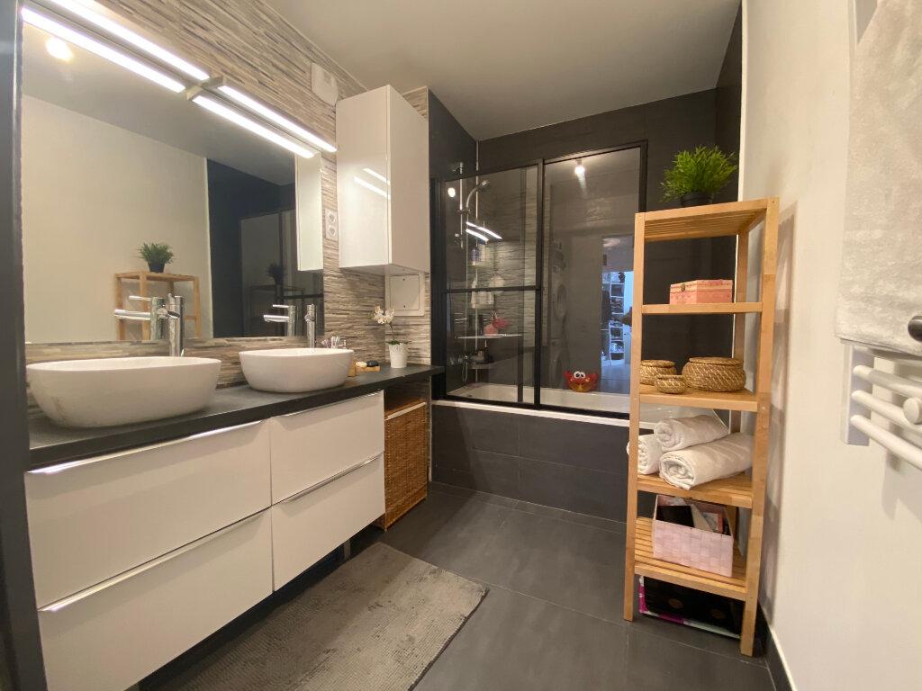 Appartement à vendre 3 75m2 à Romainville vignette-10