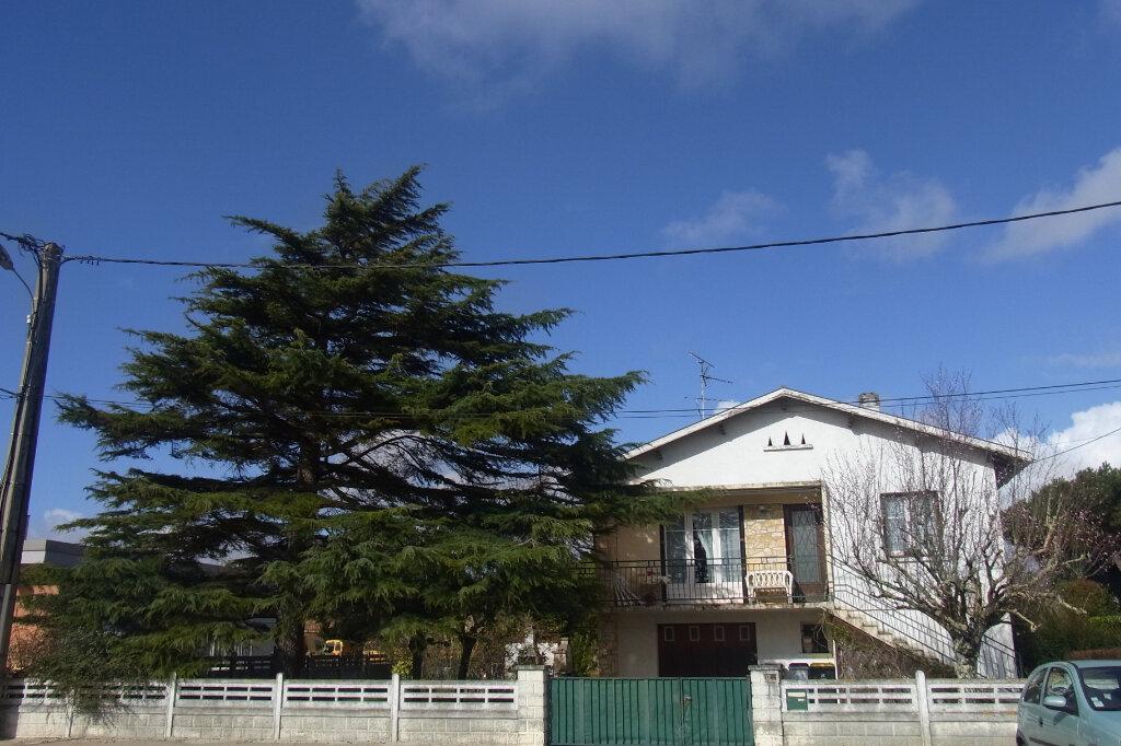 Maison à vendre 5 110m2 à Gujan-Mestras vignette-1