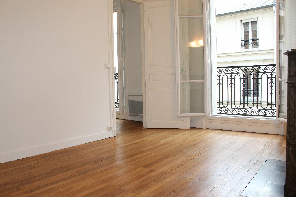 Appartement à vendre 2 43m2 à Paris 18 vignette-7