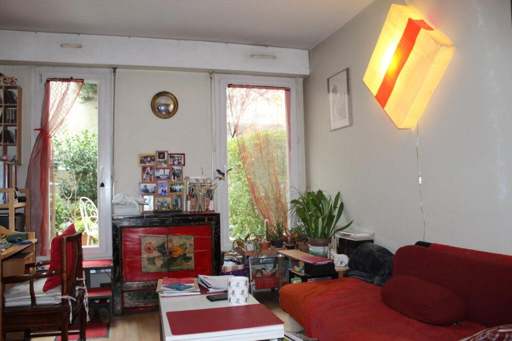 Appartement à vendre 1 29.85m2 à Paris 18 vignette-4