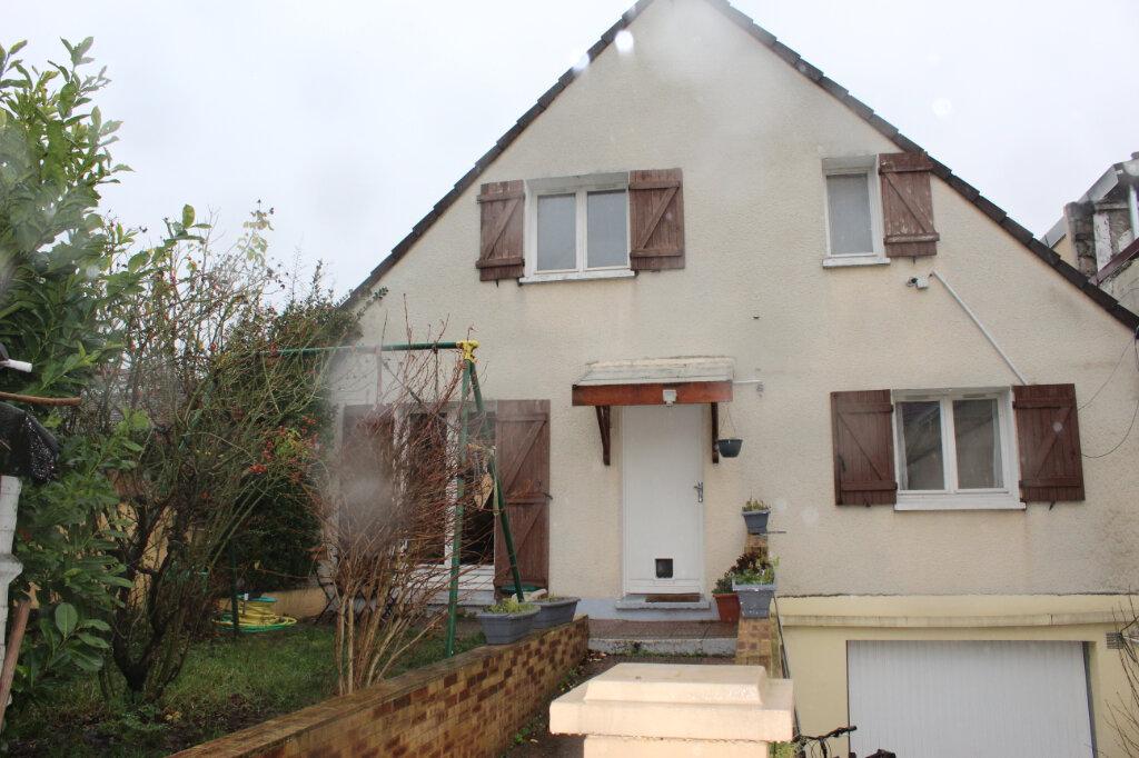 Maison à vendre 7 180m2 à Aubervilliers vignette-1