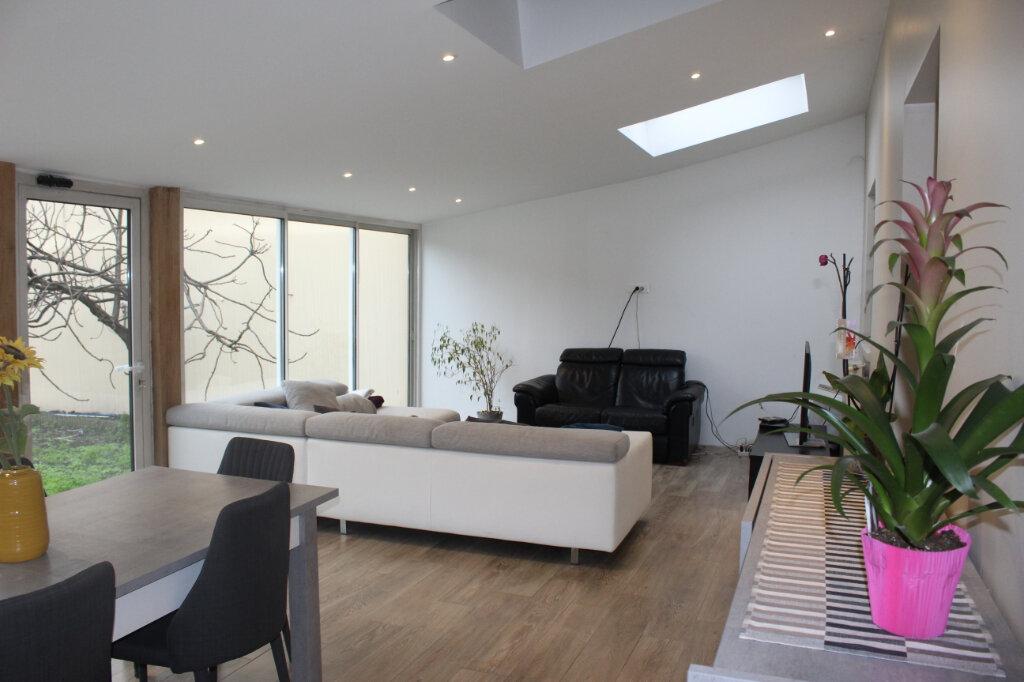 Maison à vendre 7 180m2 à Aubervilliers vignette-6