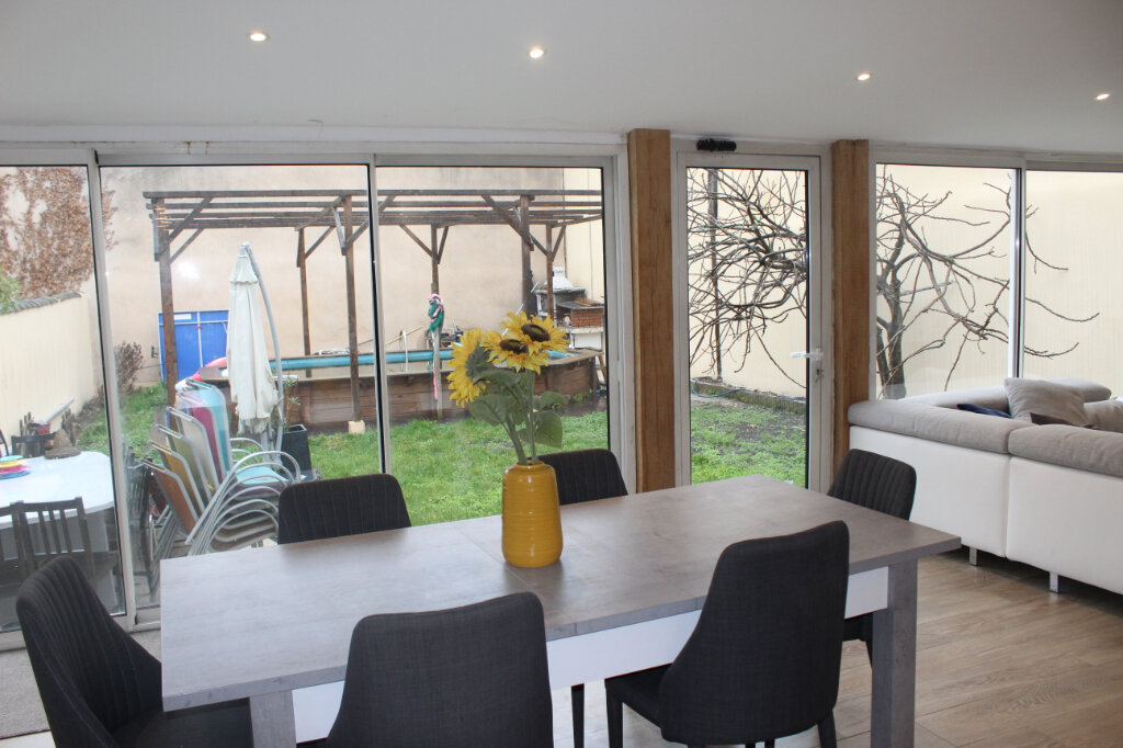 Maison à vendre 7 180m2 à Aubervilliers vignette-8