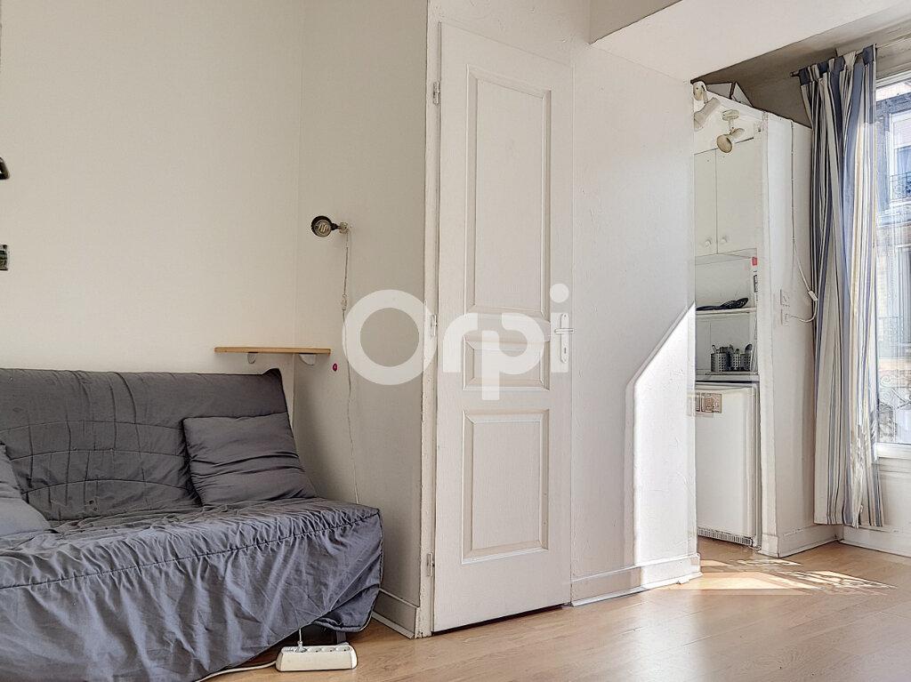 Appartement à louer 1 13m2 à Paris 14 vignette-1