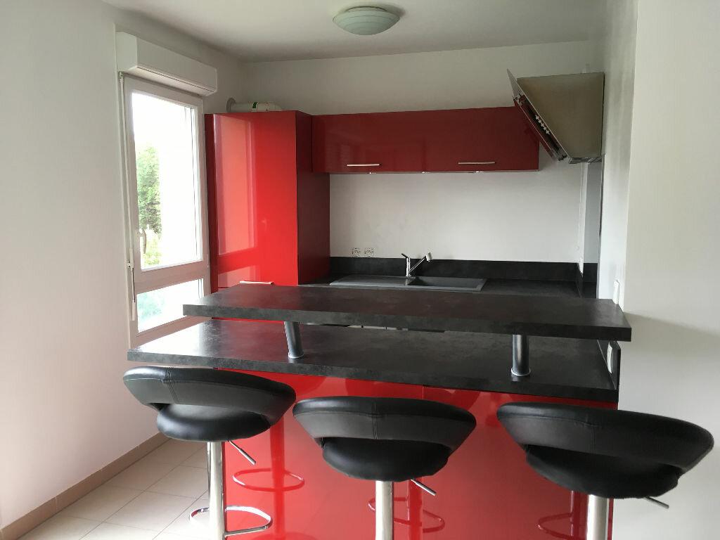 Appartement à louer 1 30.9m2 à Villepinte vignette-1