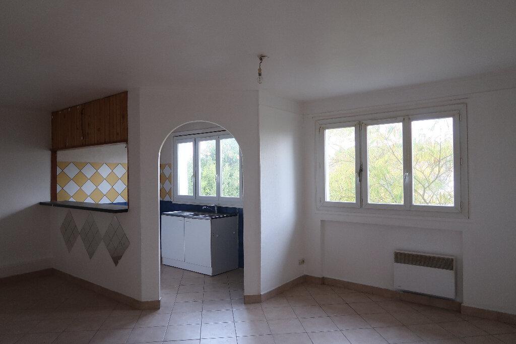Appartement à louer 2 51m2 à Mitry-Mory vignette-1