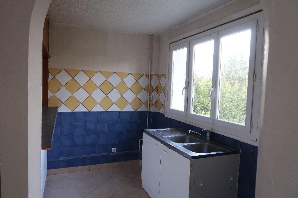 Appartement à louer 2 51m2 à Mitry-Mory vignette-3